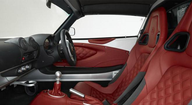 Lotus Exige 2018 interior