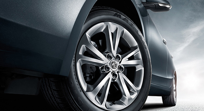 MG GT 2018 wheel