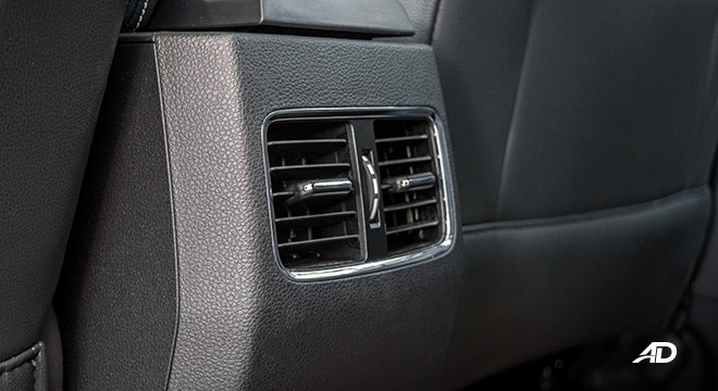 mg rx5 review road test rear aircon vents interior