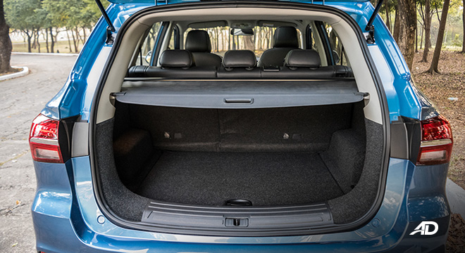 mg rx5 review road test trunk cargo seats up interior