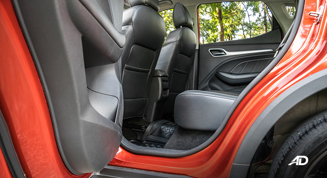 mg zs review road test rear legroom interior