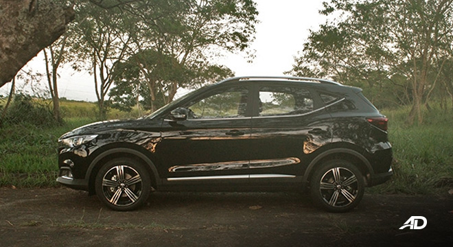 MG ZS road test review side view exterior philippines