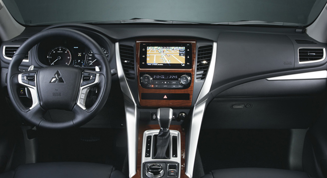 Mitsubishi Montero Sport 2018 interior