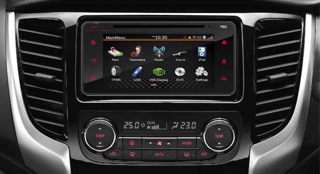 Mitsubishi Strada 2018 center console