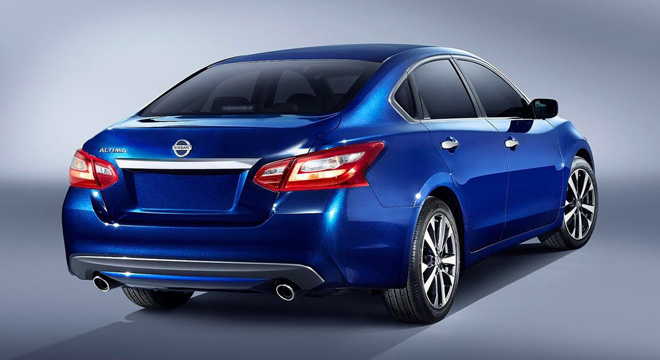 Nissan Altima 2018 Philippines rear blue