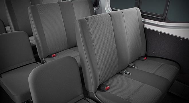 Nissan NV350 Urvan 2018 seats