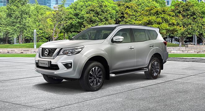 Nissan Terra side quarter profile