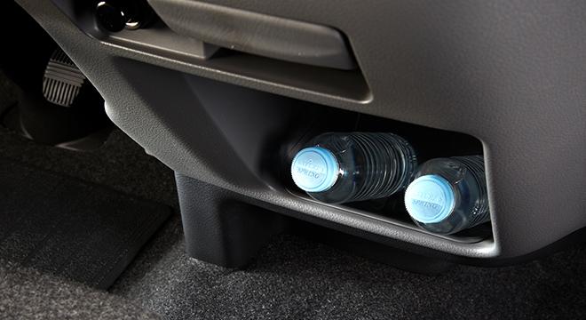 Nissan Urvan storage
