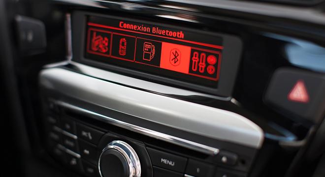 Peugeot 301 2018 multimedia