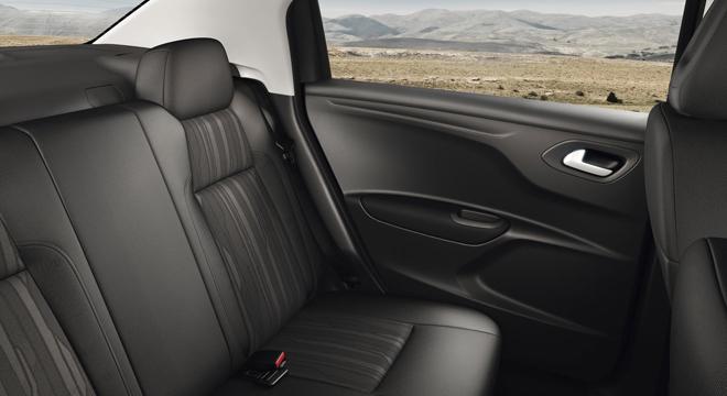 Peugeot 301 2018 passenger seats