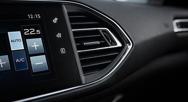 Peugeot 308 2018 air condition vent
