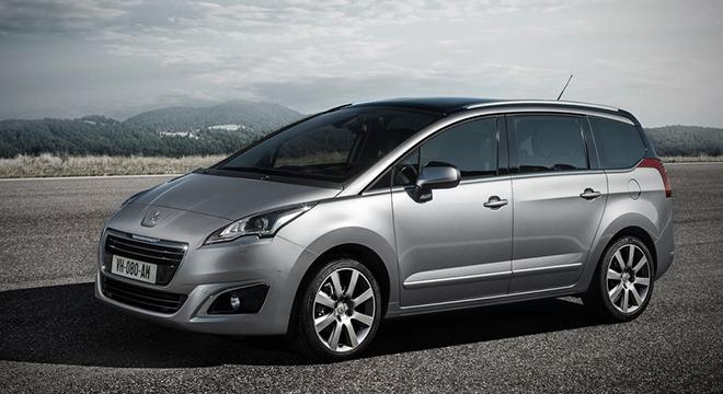 Peugeot 5008 2018 side