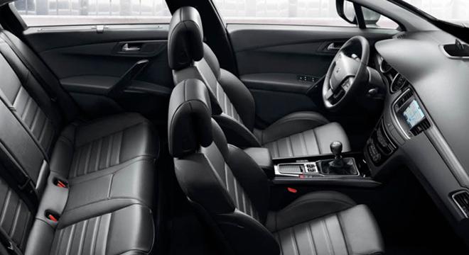 Peugeot 508 2018 passenger seats