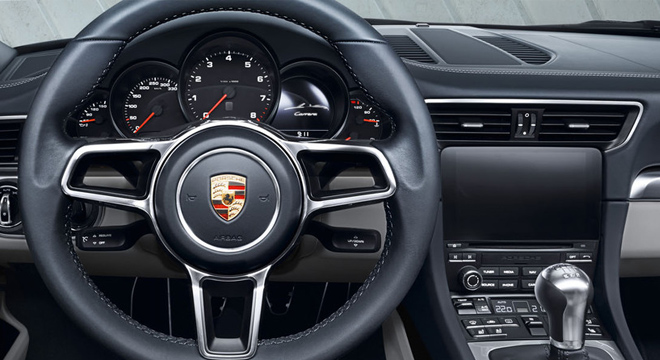 Porsche 911 Carrera 2018 dashboard