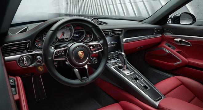 Porsche 911 Targa 4 2018 interior