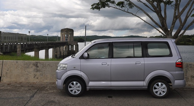 Suzuki APV 2018 side