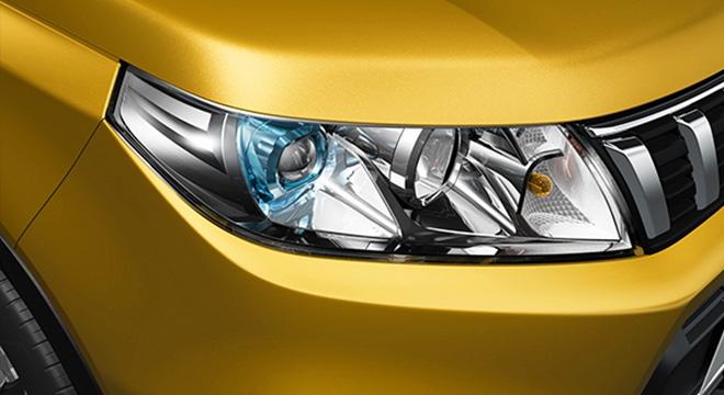Suzuki Vitara LED headlights exterior