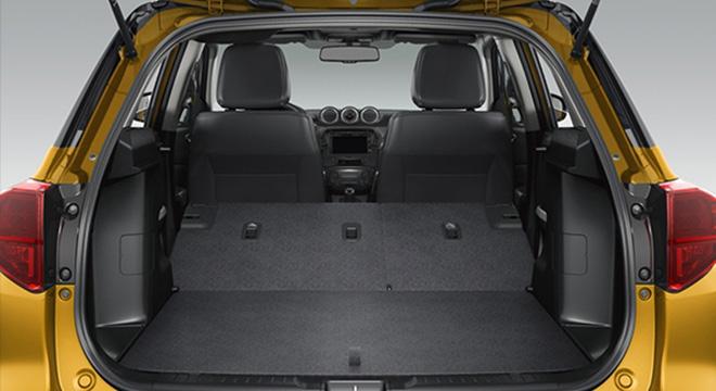 Suzuki Vitara luggage trunk cargo area interior