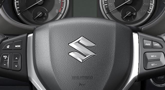 Suzuki Vitara steering wheel interior