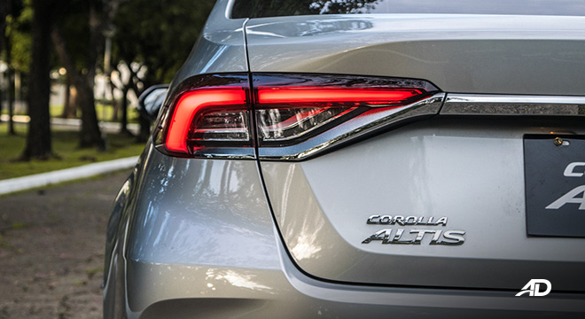 Toyota corolla altis hybrid review road test led taillights exterior