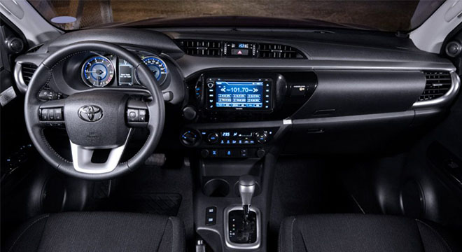 Toyota hilux 2018 interior dashboard