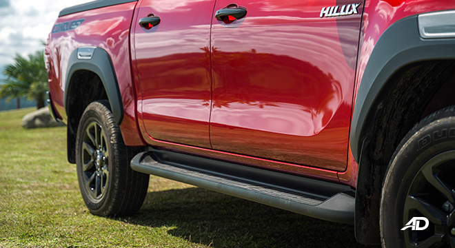 Toyota HIlux Conquest road test side steps