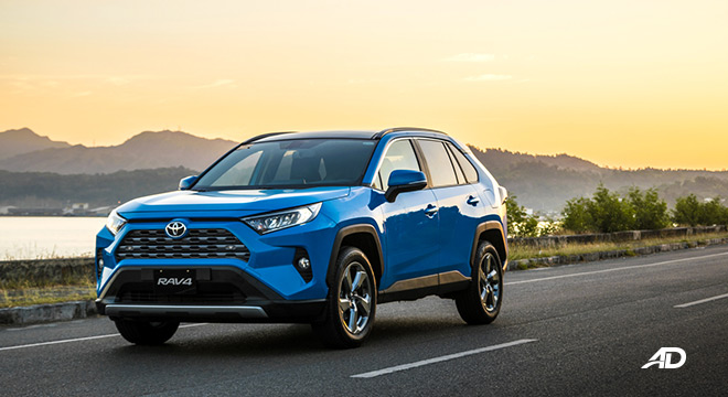 toyota rav4 road test review front quarter beauty shots exterior