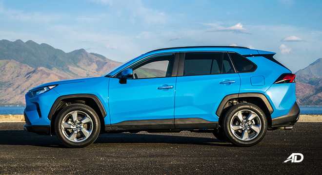 toyota rav4 road test review side view exterior