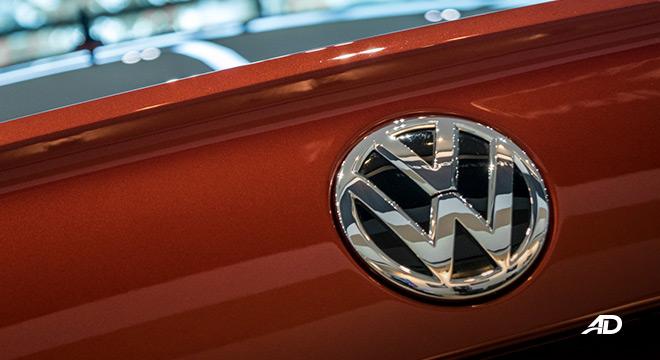 volkswagen lavida showroom badge exterior