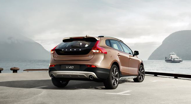 Volvo V40 Cross Country 2018 rear
