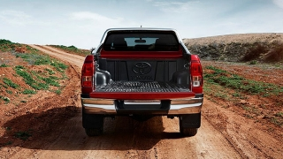 2016 Toyota Hilux exterior bed