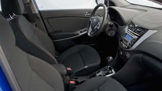2018 Hyundai Accent Hatchback dashboard