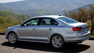2018 Volkswagen Jetta rear