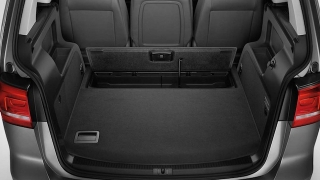 2018 Volkswagen Touran trunk