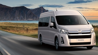 Toyota Hiace Commuter 3.0 MT