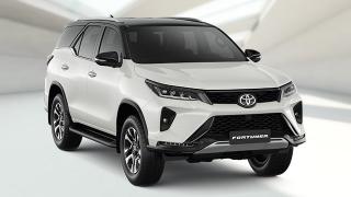 2021 Toyota Fortuner exterior quarter front Philippines
