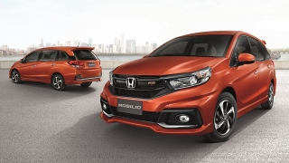 Compare Honda Mobilio 1 5 Rs Navi Cvt Vs Toyota Avanza 1 5 G At