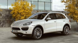 Porsche Cayenne 2018 side