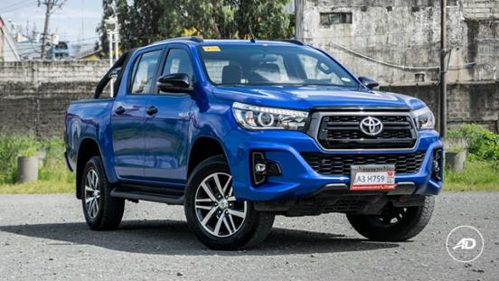 2018 Toyota Hilux Conquest front