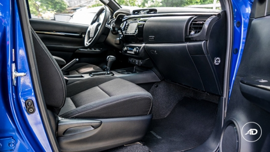 2018 Toyota Hilux Conquest front legroom