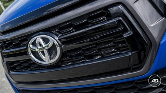 2018 Toyota Hilux Conquest grille