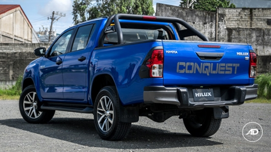 2018 Toyota Hilux Conquest rear