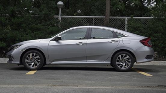 2019 Honda CIvic 1.8 E side