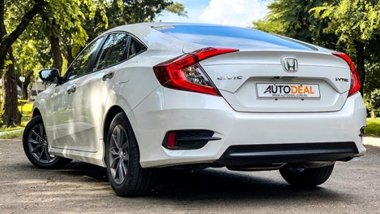 2019 Honda Civic 1.8 S exterior rear quarter