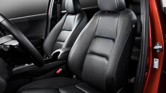 2019 Honda HR-V RS seats