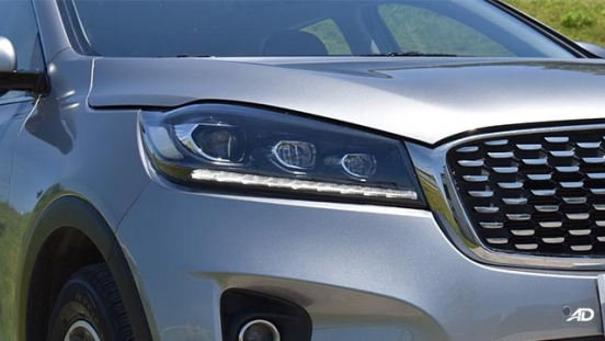2019 Kia Sorento headlight