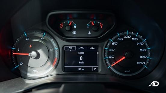 2020 Chevrolet Colorado interior gauge clusters