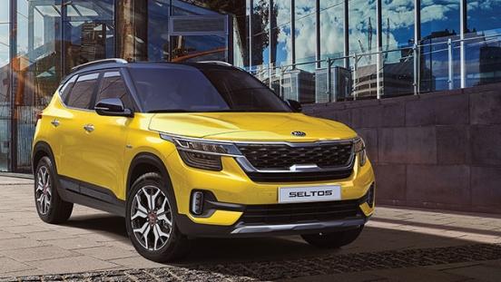 2020 Kia Seltos yellow front quarter