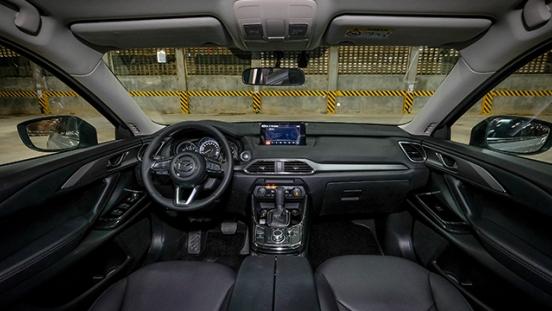 Mazda CX-9 GT 2018 interior