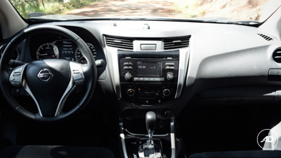 Nissan Navara 4X4 VL Sport Edition AT 2018 dashboard
